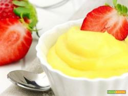 Crema pasticcera vegana senza uova senza latte