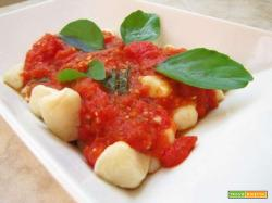 Gnocchi di patate tradizionali emiliano: la ricetta col pomodoro