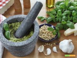 Pesto alla genovese ricetta tradizionale