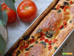 Plumcake Toscano ai peperoni, pecorino e olive