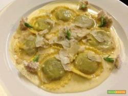 Ravioli al tartufo bianco con ripieno di funghi e abbinamento vino