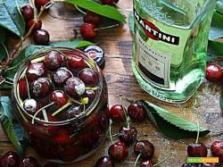 Ciliegie al vermouth bianco – Cherries in  white vermouth