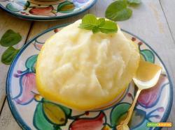 Sorbetto al limone senza uova