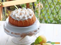 Torta meringata al limone con crema di yogurt greco