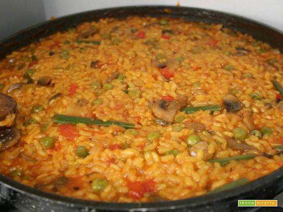 Paella Vegana con bocconcini di soia