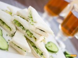 Sandwich al cetriolo, finger food in soli 5 minuti