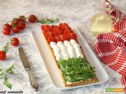 Crostata salata tricolore in pasta brisè