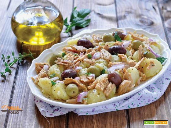 Insalata di tonno con patate e olive