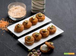 Baci di lenticchie ai pistacchi con caprino ed erba cipollina: i bocconcini croccanti