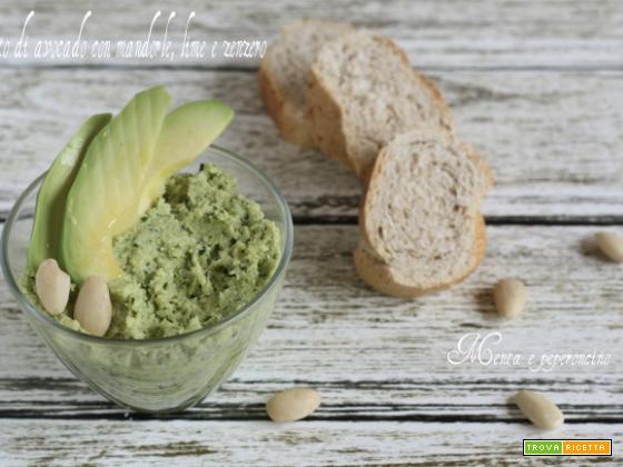 Pesto di avocado con mandorle, lime e zenzero