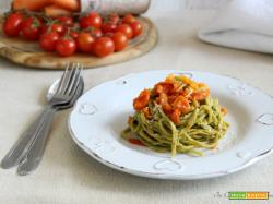 Pasta al basilico con sugo finto