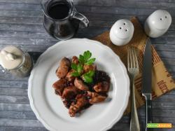 Bocconcini di pollo al marsala e aceto balsamico con frutti di bosco