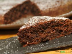 Tortino di zucchine, mandorle e cacao e Optiliq