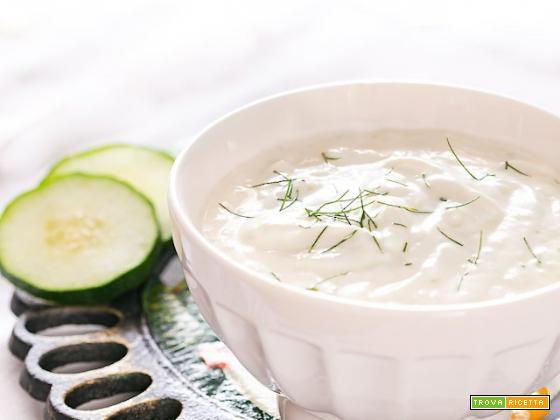 Tzatziki, la salsa greca veloce e fresca