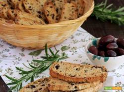 Biscottini salati alle Olive e Rosmarino