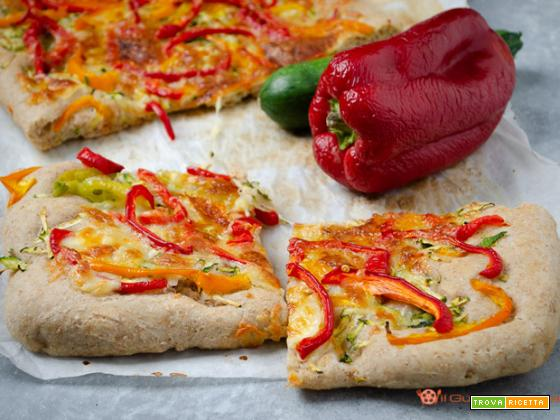 Pizza con zucchine e peperoni