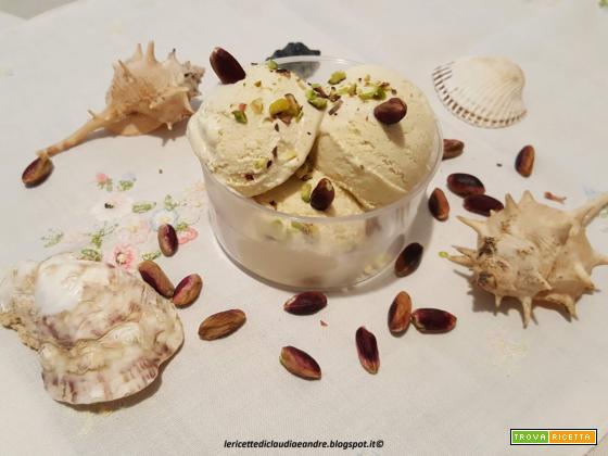 Gelato con crema di pistacchio