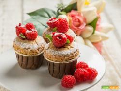 Muffin al grano saraceno e lamponi: un regalo per golosi!