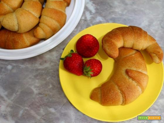 Cornetti semplici senza burro e senza uova