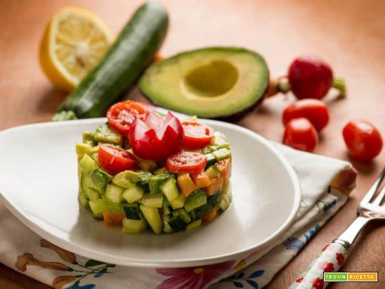Profumi d'estate con la tartare di verdure ed avocado