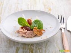 Insalata di pollo con datteri e spinacino: facciamo il pieno di gusto!