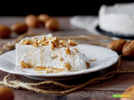 Torta Fredda allo Yogurt e Noci