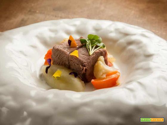 Il roast beef al fieno con salsa di mele e zenzero, ecco un piatto che spacca!