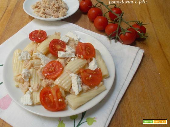 Pasta fredda con tonno pomodorini e feta