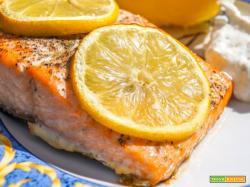 Salmone al profumo di limone, ricetta facile