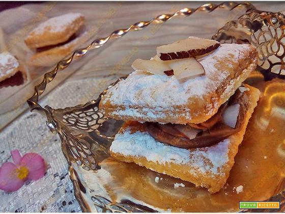 Sfogliatine con crema di cioccolato e cocco | Sporcamuss