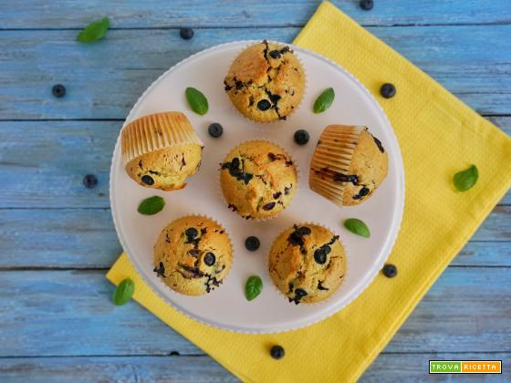 Muffin con basilico, cioccolato e mirtilli