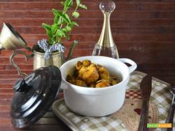 Bocconcini di pollo con asparagi aromatizzati alla birra e curcuma