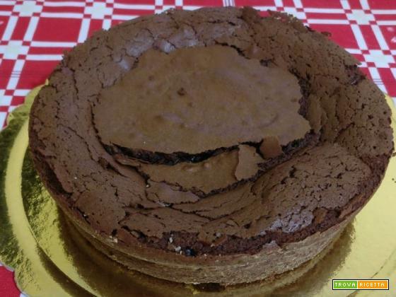 Torta cremosa al cioccolato fondente e rhum