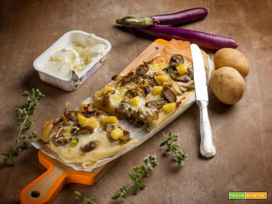 Focaccia con patate, melanzane e formaggio cremoso semplicità a tavola!