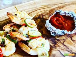 Ricetta veloce di spiedini di gamberi con lime e salsa cajun