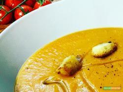 La ricetta di una vellutata di verdure miste dell'orto