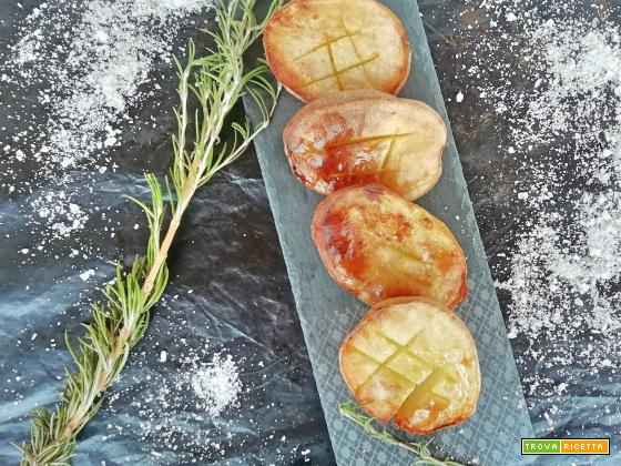 Patate spaccate al forno