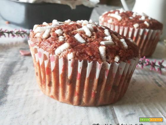 Muffin all'acqua con rapa rossa e cioccolato