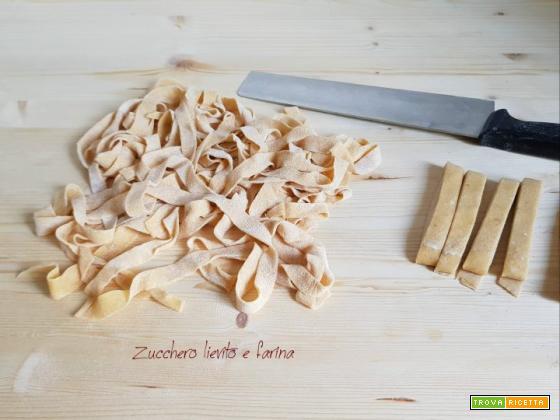Come si preparano le tagliatelle?
