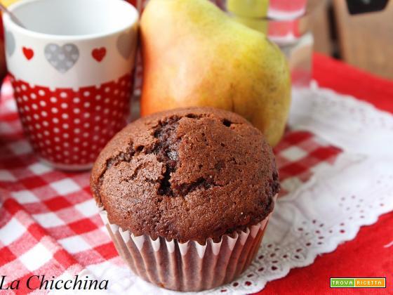 Muffin al cioccolato, pere e rum