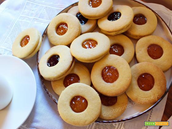 Biscotti occhio di bue con frolla di Montersino