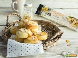 Girelle alle mandorle senza lattosio… ideali all'ora del tè!