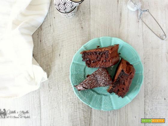 Torta soffice alla panna e cacao senza burro e olio