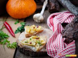 Bruschette con zucca bianca arrostita