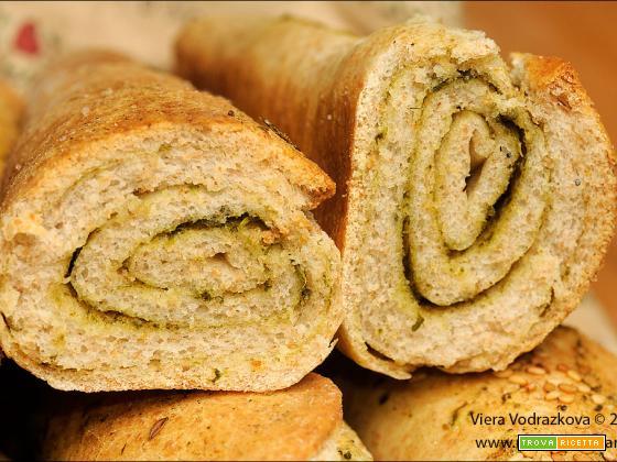Rohliky – panini cechi sfogliati con erbe aromatiche