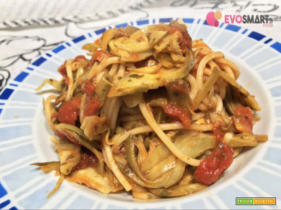 Spaghetti al sugo con carciofi