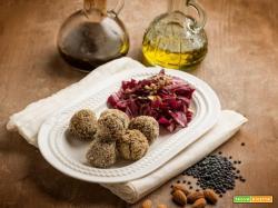 Sfiziosi bocconcini di lenticchie nere con insalata