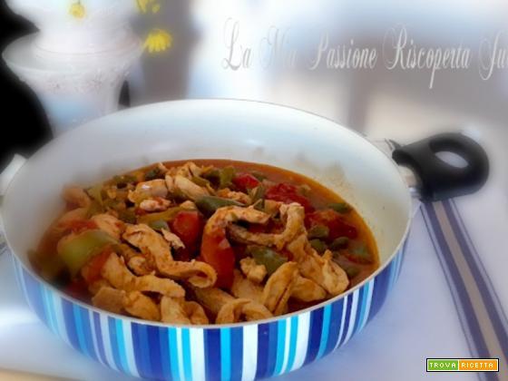 Zuppa di peperone con stracetti di pollo
