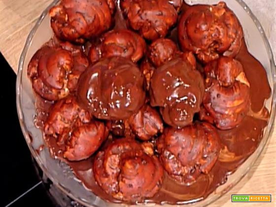 Profiteroles con glassa di cioccolato da La Prova del Cuoco