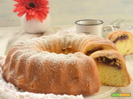 Bundt Cake con confettura di prugne